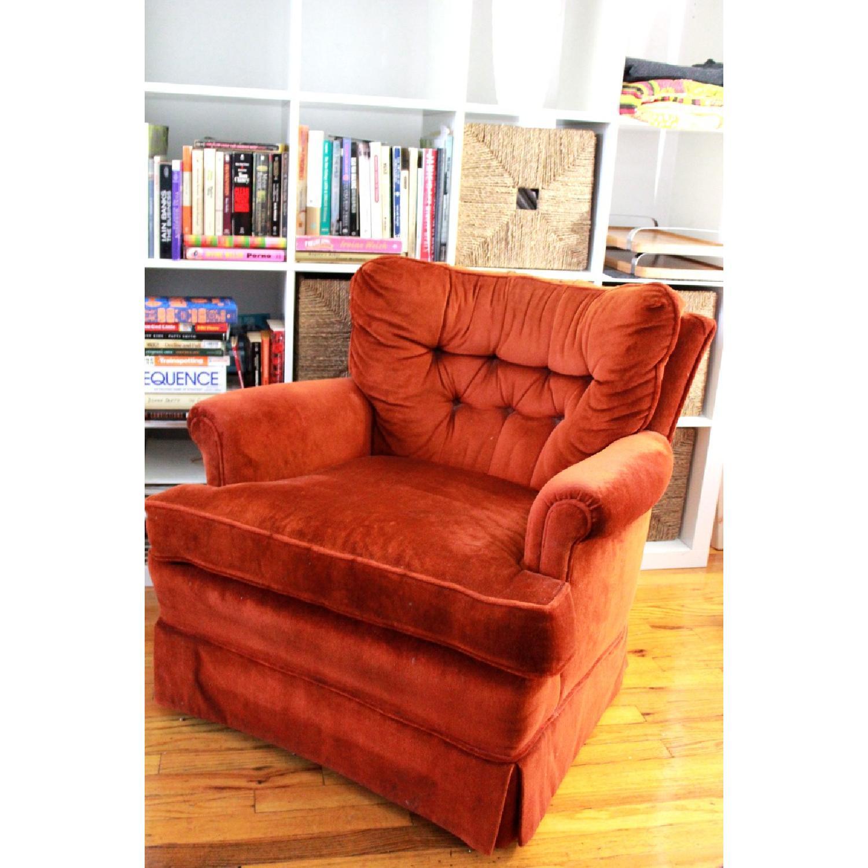 Picture of: Retro Orange Velvet Accent Lounge Chair Aptdeco