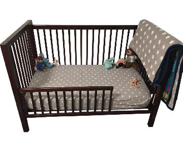 Land of Nod Crib Convertable to Toddler Bed