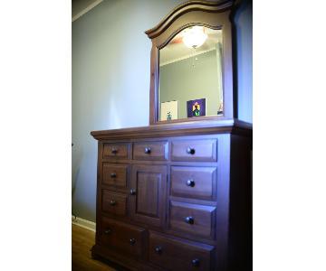 Broyhill 3-Piece Dark Walnut Wood Bedroom Set