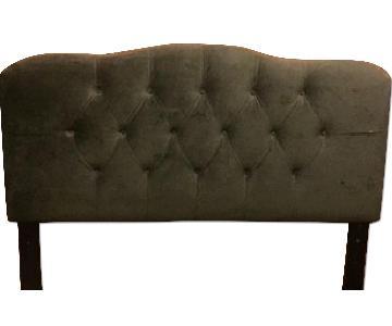 Skyline Furniture Full Size Platform Bed Frame w/ Full Grey Velvet Tufted Headboard
