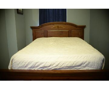 Broyhill Full/Queen Size Bed Frame