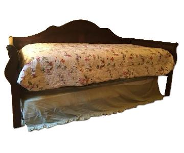 Traditional Wooden Sleigh Trundle Bed