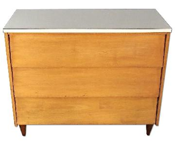 Mid Century Modern Blond Wood Chest of Drawers/Dresser