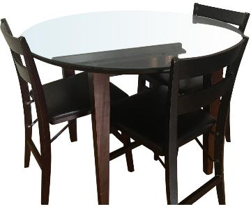 Dining Room Table w/ 4 Chairs