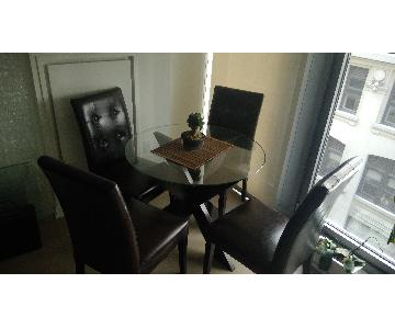 Pier 1 Round Dining Table w/ 4 Dining Chairs