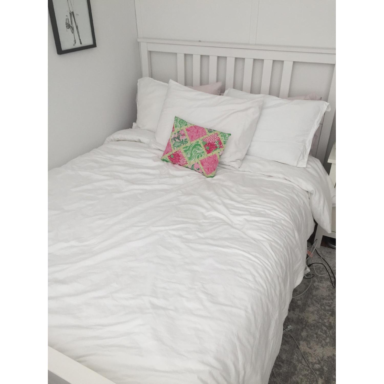 ikea hemnes full size white bed frame aptdeco. Black Bedroom Furniture Sets. Home Design Ideas
