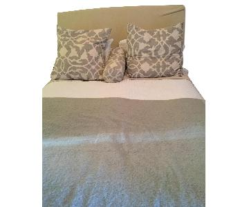 Pottery Barn Queen Size Bed w/ Headboard