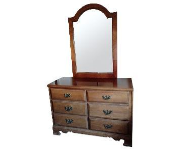 Vintage 6-Drawer Dresser w. Mirror
