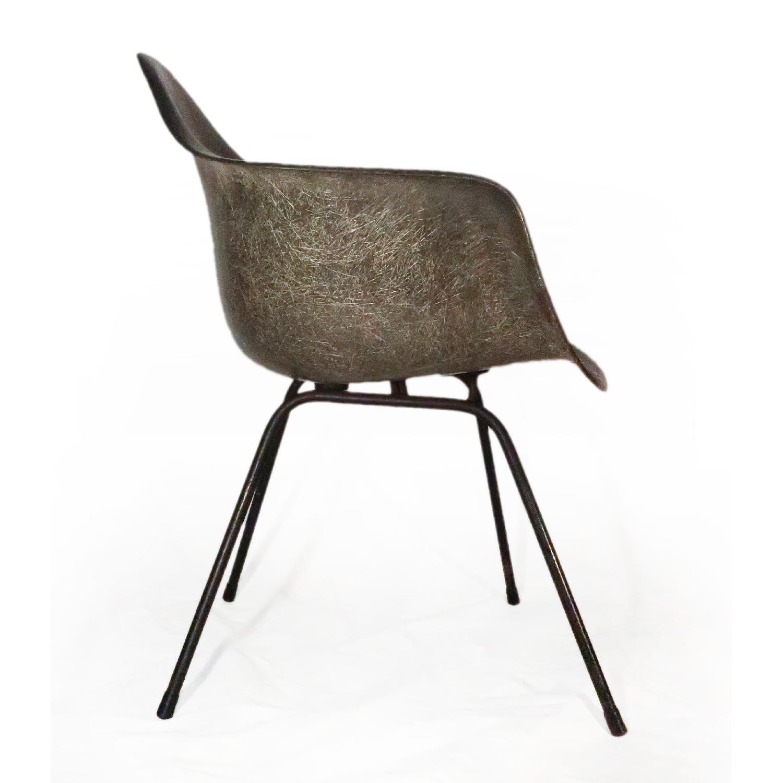 Herman Miller Eames Molded Fiberglass Armchair-0