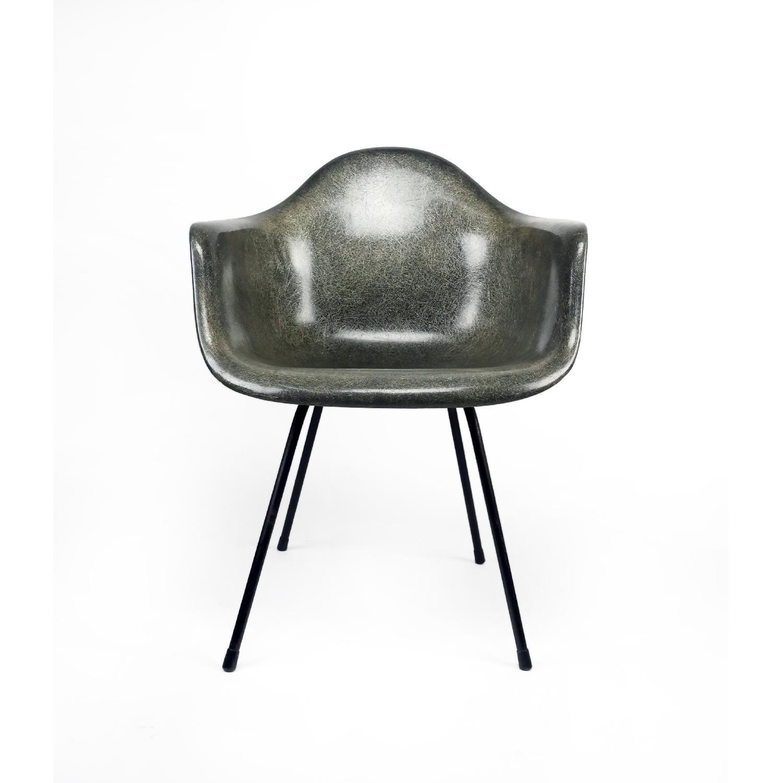 herman miller eames molded fiberglass armchair aptdeco