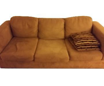3 Seater Sofa w/ 2 Throw Pillows