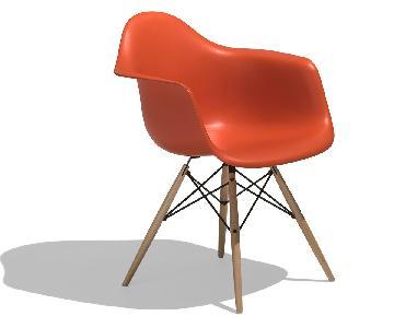 Herman Miller Eames Molded Plastic Dowel Leg Armchair