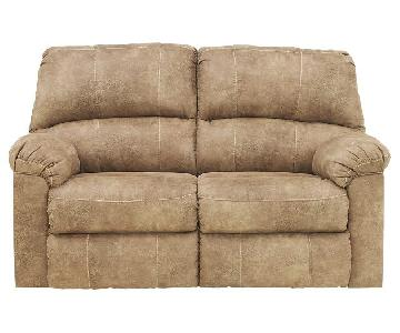 Ashley's Stringer Dual Reclining Love Seat