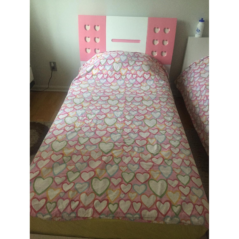 Modern European Girl\'s Pink & White 4 Piece Bedroom Set