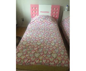Modern European Girl's Pink & White 4 Piece Bedroom Set