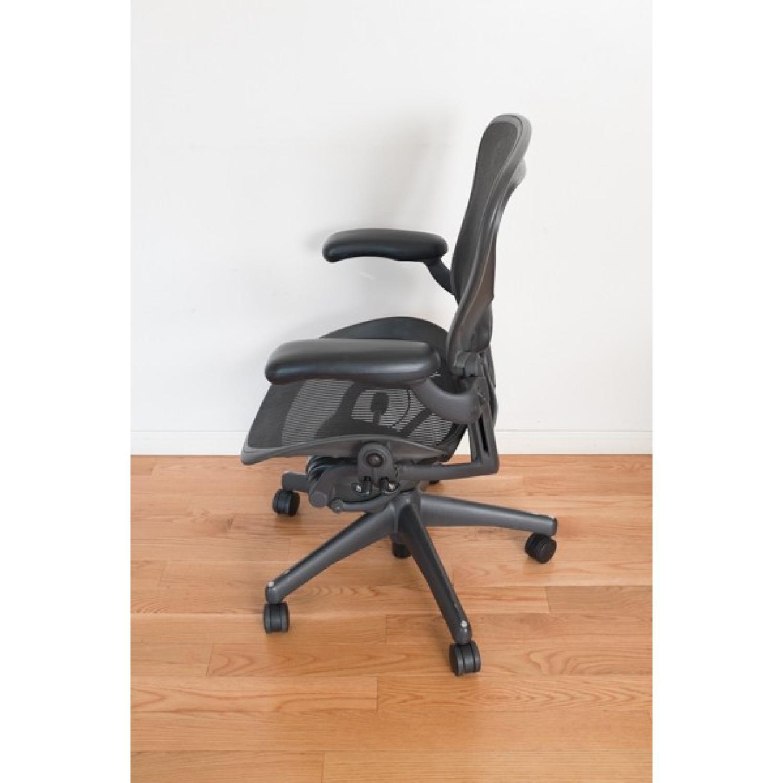 Herman Miller Aeron Office Chair Size B Aptdeco
