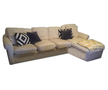 Hildreth's Sectional w/ Chaise in Oatmeal