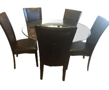 Raymour & Flanigan Glass Dining Table w/ 5 Chairs