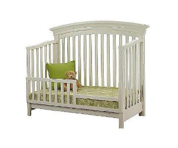 Sorelle Verona 4 in 1 Convertible Crib w/ Railing in French
