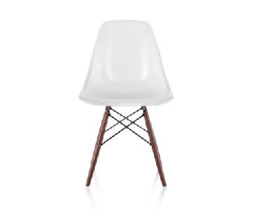 Herman Miller Eames Molded Fiberglass Dowel-Leg Side Chair (