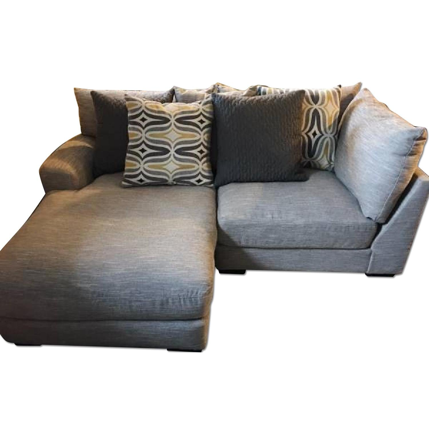 Raymour U0026 Flanigan Leighton Sectional Couch ...