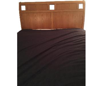 Stanley Furniture Queen Metal Bed Frame w/ Wood Headboard