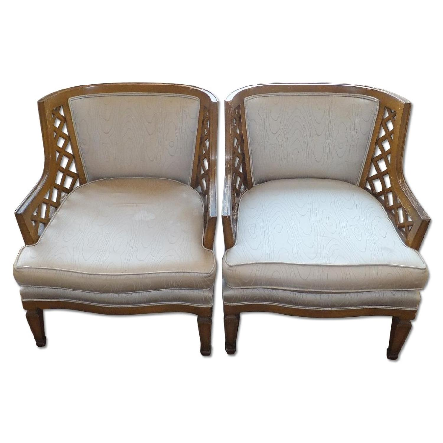 Foyer Accent Chairs : Vintage foyer accent chair aptdeco