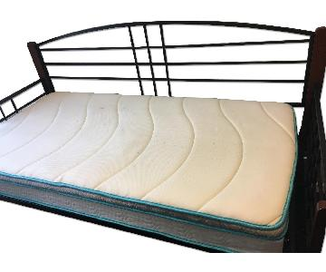 Lateral Run Hollied Daybed w/ Pop-Up Trundle