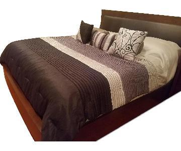 Raymour & Flanigan Maple Wood King Size Storage Bed w/ Dark