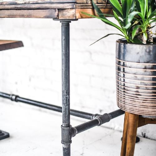Creative X Soul East Iron Table