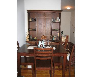 Crate & Barrel Extendable Dining Table w/ 4 Chairs