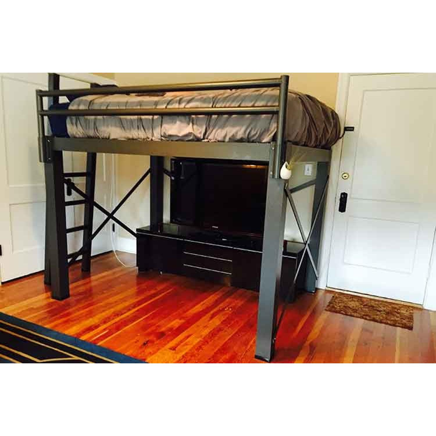 Picture of: Francis Lofts Bunks Full Size Loft Bed Aptdeco