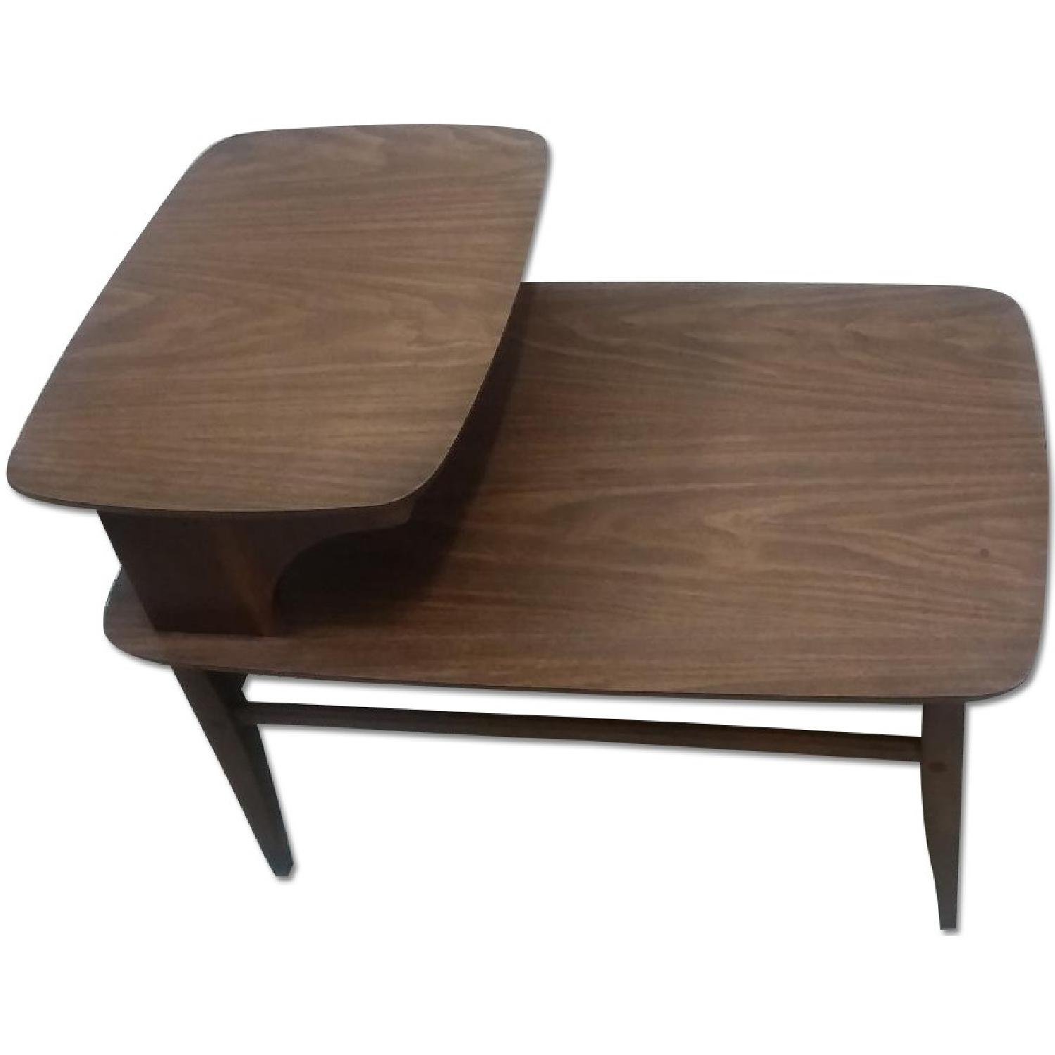 Retro mid century two tier end table aptdeco for Retro side table