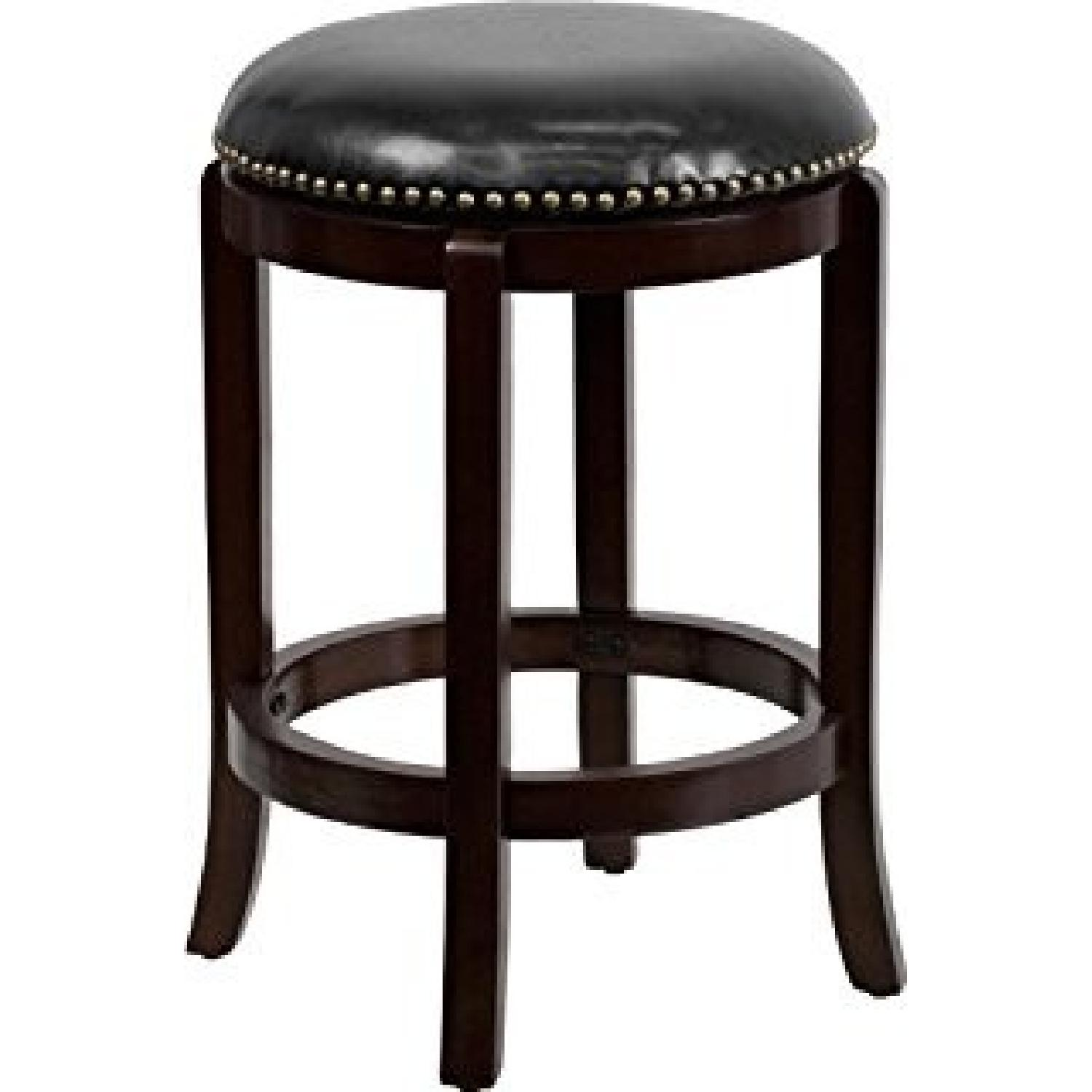 Counter Height Svivel Stool w/ Nailhead Accent