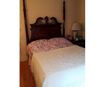 Traditional Dark Brown Queen Bed