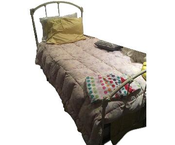 Twin Size Metal Bed w/ Trundle