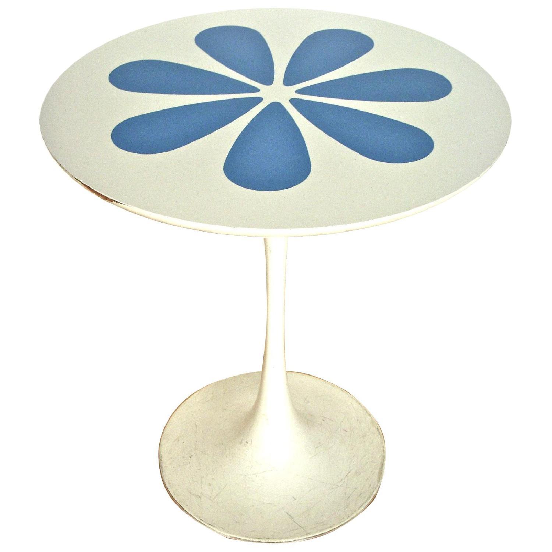 Mid Century Modern Knoll Saarinen Tulip Style Table