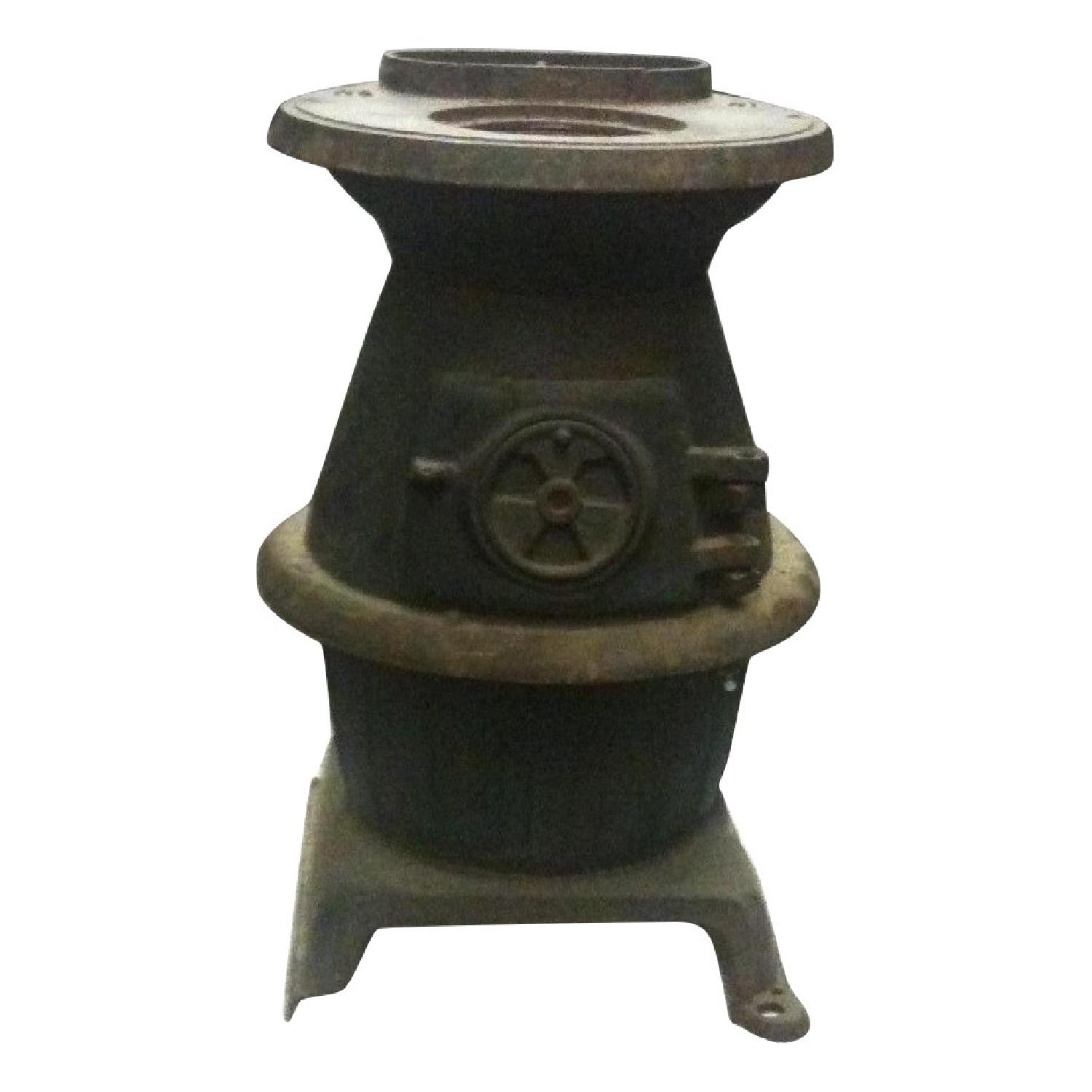 Rustic Vintage Potbelly Stove - image-0