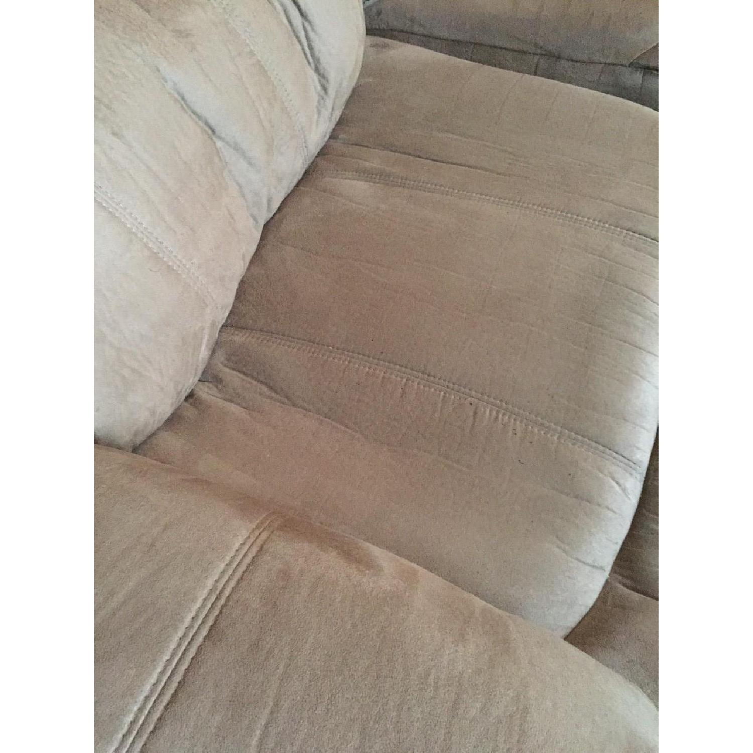 Ashley's Presley Dual Reclining Sofa in Cocoa - image-3