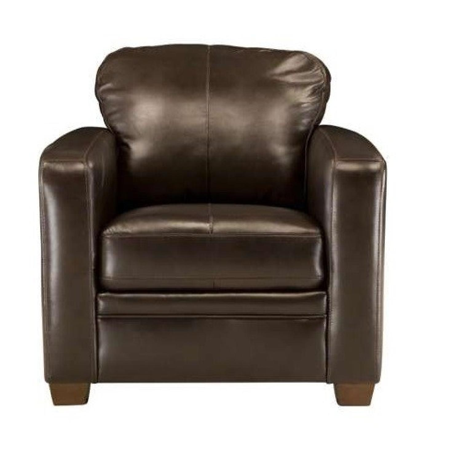 Raymour & Flanigan Trent Collection Leather Arm Chair AptDeco