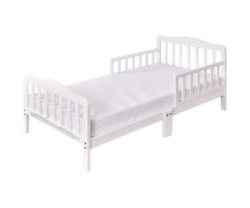 White Toddler Bed w/ Safety Rails