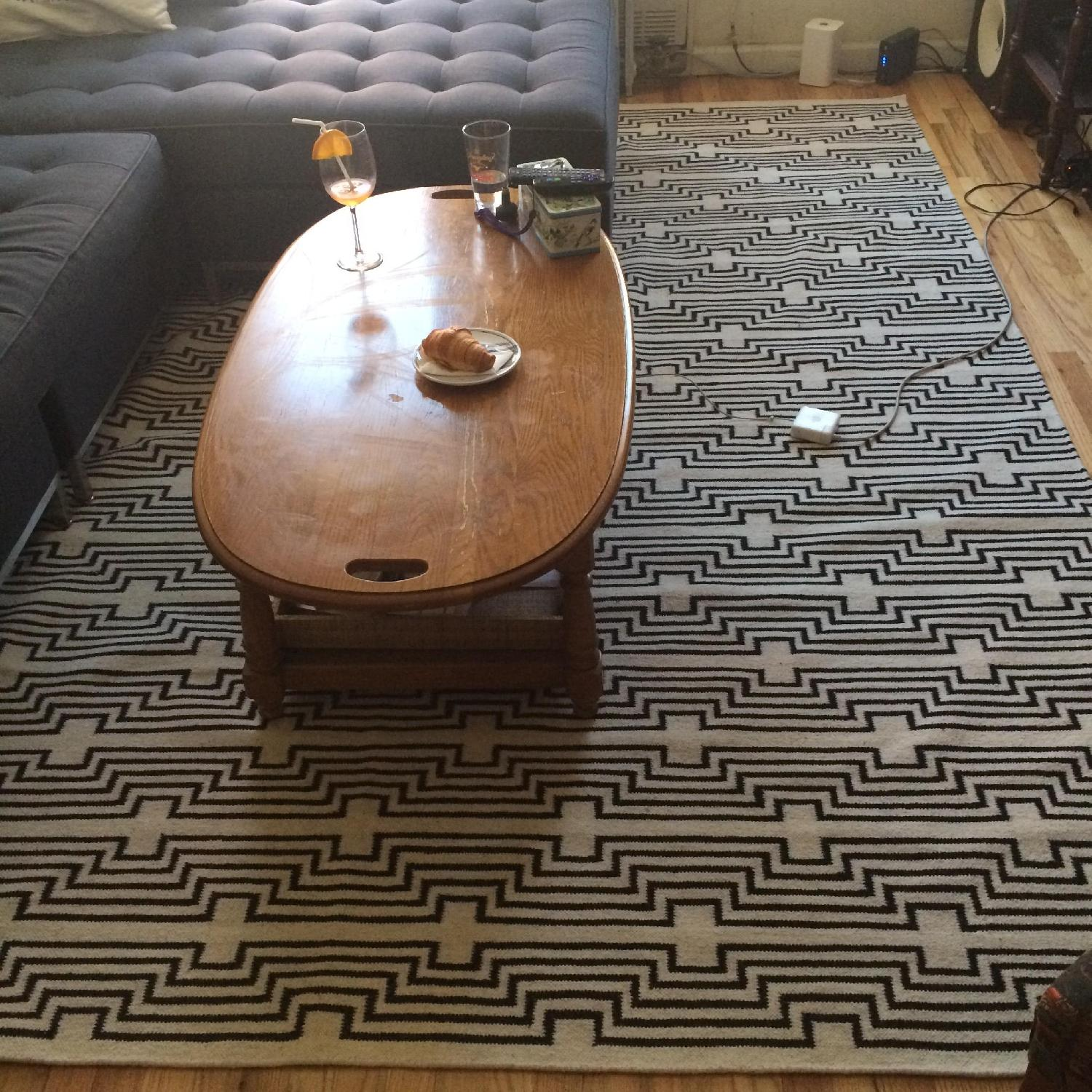Aelfie Rug in Optik Black - image-1