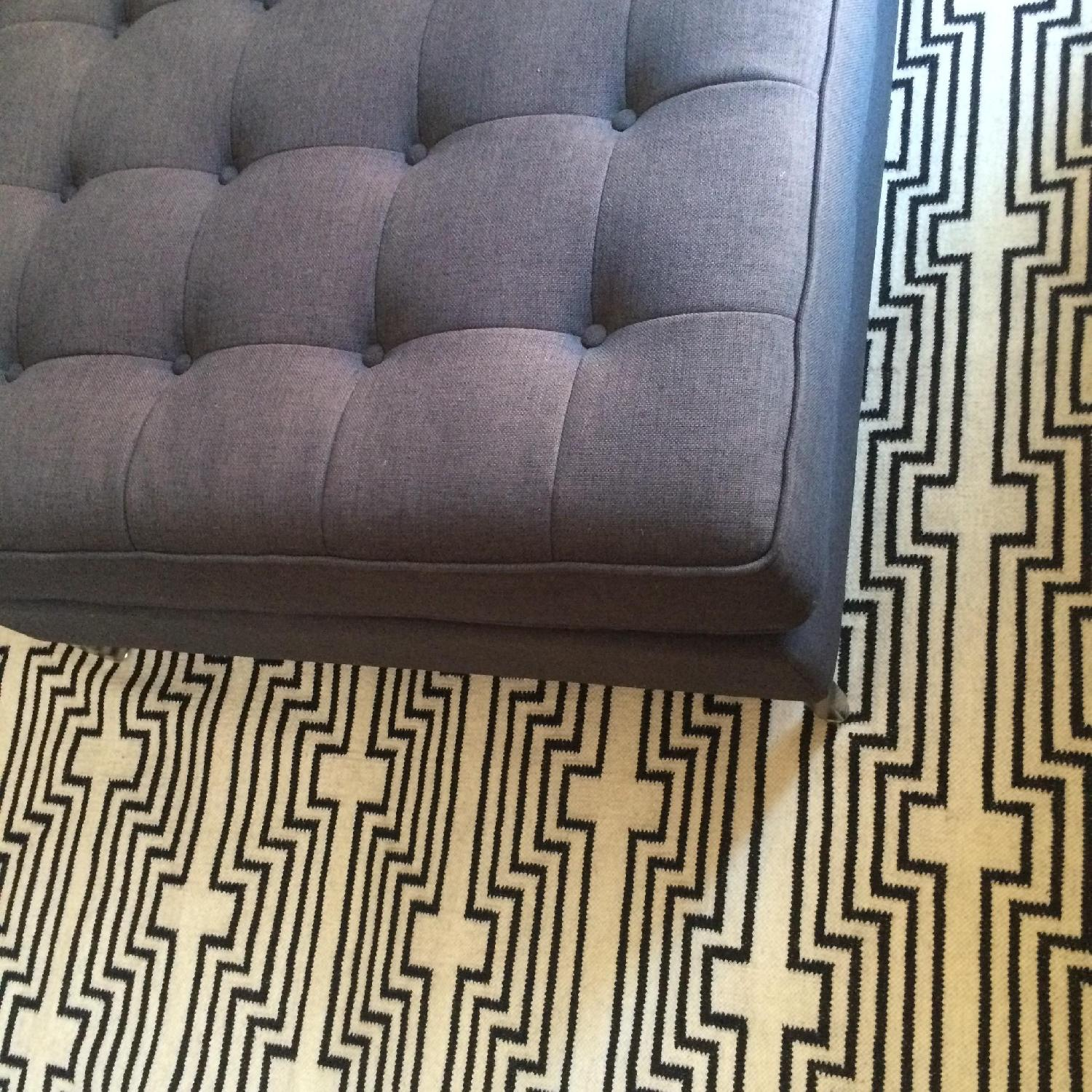 Aelfie Rug in Optik Black - image-2