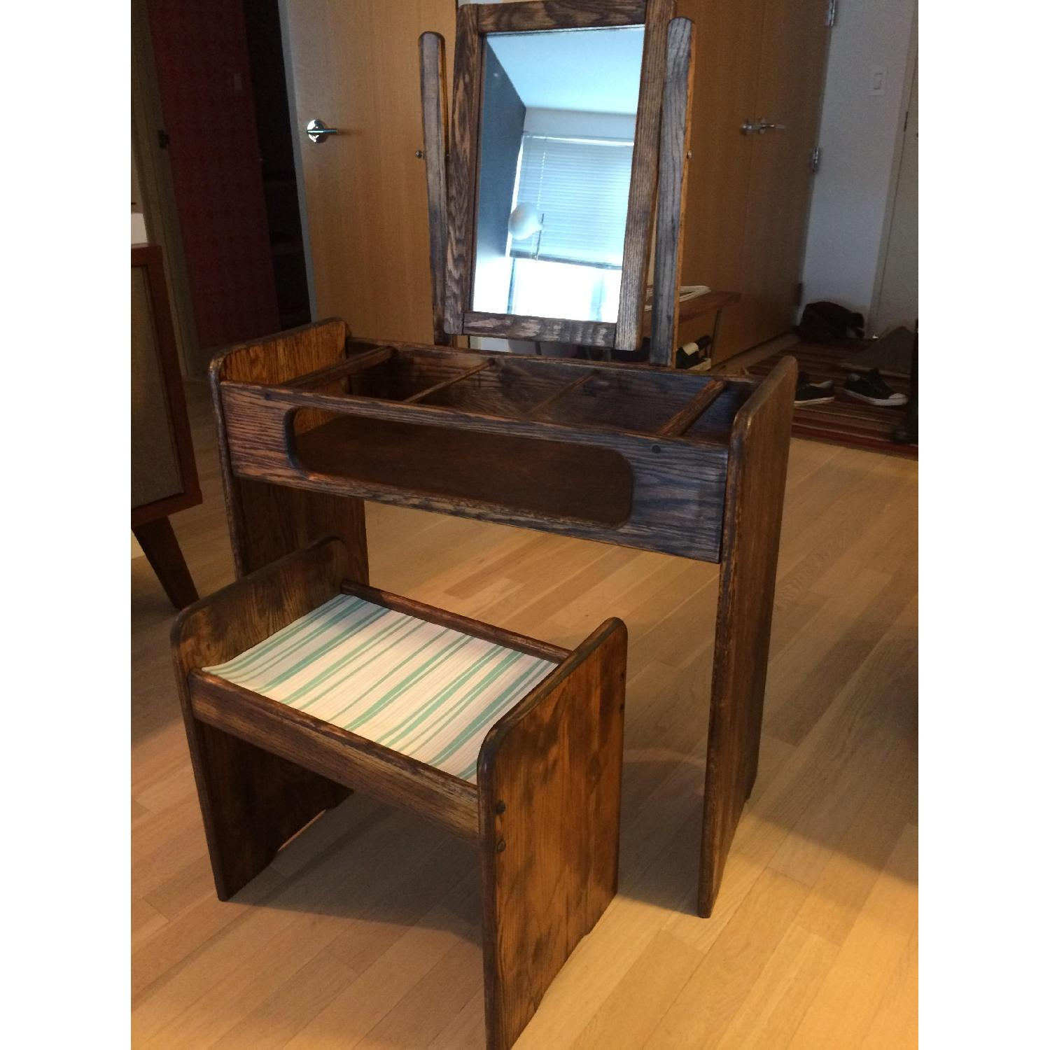 Make-Up/Vanity Table w/ Bench - image-2