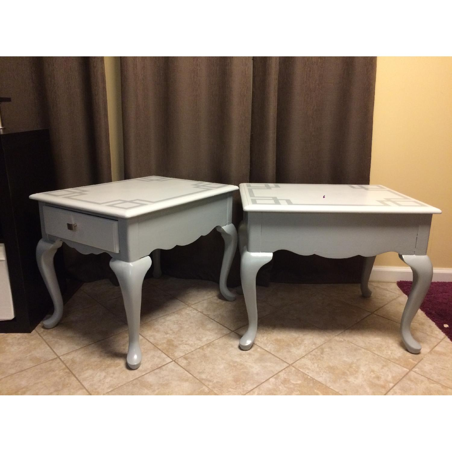 Ethan Allan Queen Anne Styled Side Tables in Gray - Pair - image-4