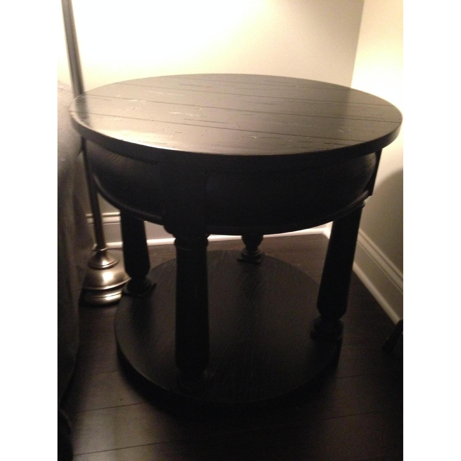 Picture of: Broyhill Attic Heirlooms Drum Table Aptdeco