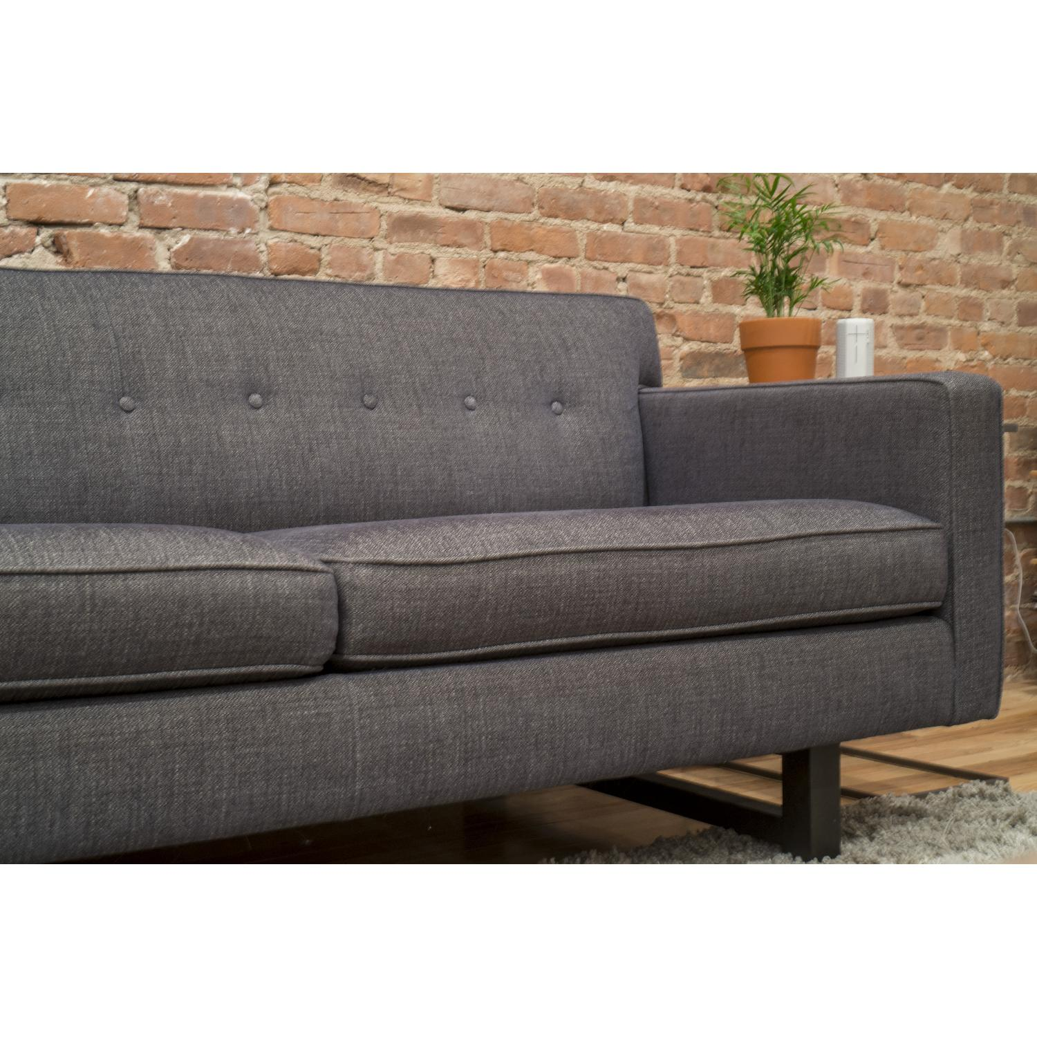 Room board andre ink blue sofa aptdeco for Room and board andre