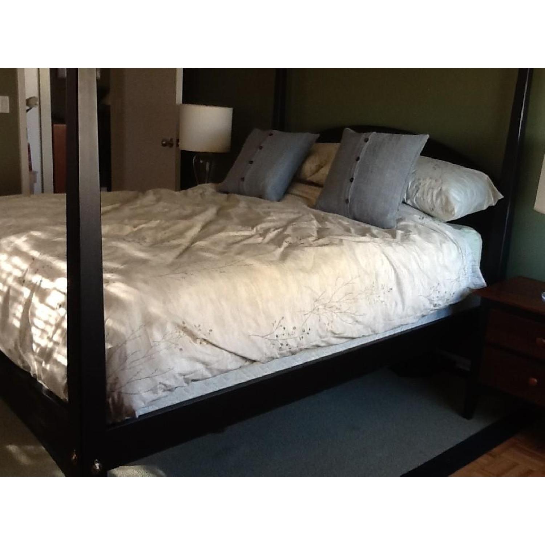 Picture of: Ethan Allen 3 Piece Queen Canopy Bedroom Set Aptdeco