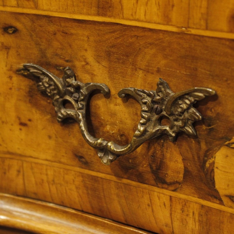Venetian 5 Drawer Dresser In Walnut & Burl Wood-6