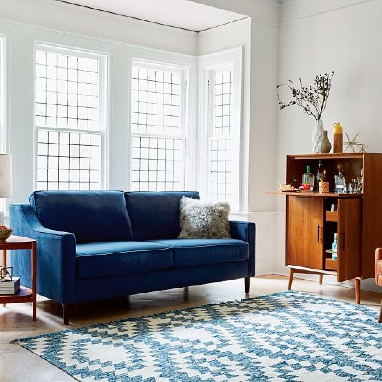 West elm paidge sofa w legs in ink blue performance aptdeco for West elm living room ideas